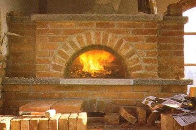Belloli mario camini e forni a legna su misura for Forno a legna in mattoni refrattari