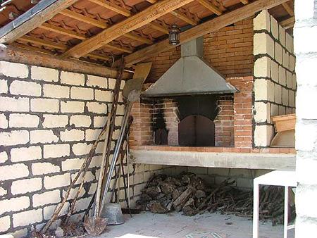 Belloli mario camini e forni a legna su misura - Forno per pizza da giardino ...